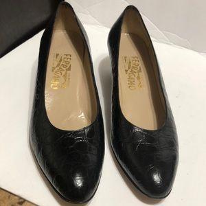 Salvatore ferragamo women shoes low heel size 9 B